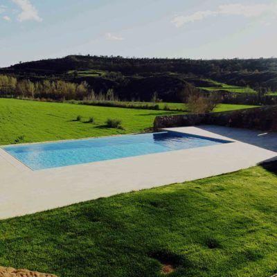 piscina privada en Casa Rural la Torra de Ribelles
