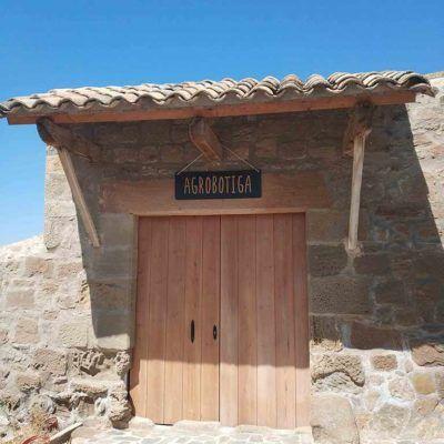 Agrotienda de productos de la tierra en Casa Rural La Torra de Ribelles
