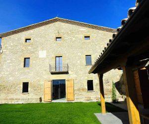 Casa Rural La Torra de Ribelles desde el jardín privado