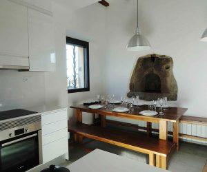 Nuestra cocina equipada con todos los servicios en Casa Rural la Torra de Ribelles